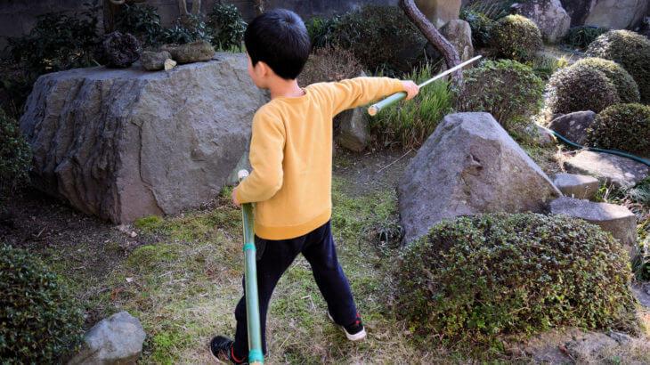 竹でおもちゃの刀を作ろう※子どもに与えては危険です