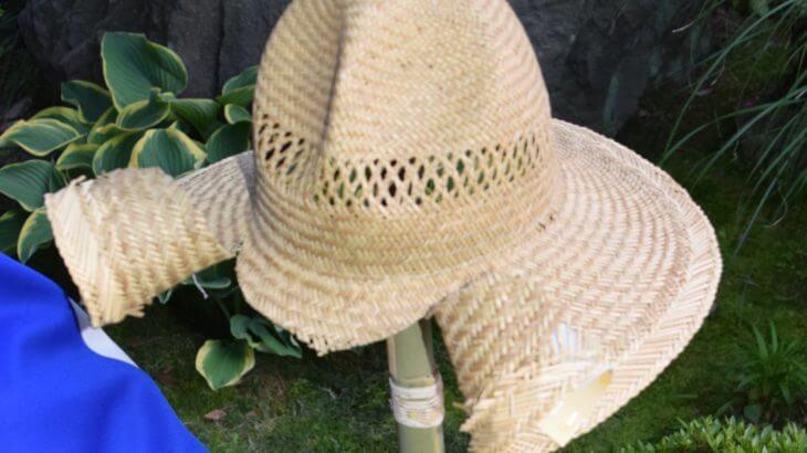 麦わら帽子を兜に改造